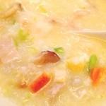 14959946 - 野菜、プリプリ海老、イカ、貝等々の刻んだ具沢山