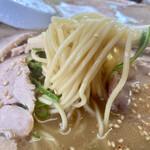 ふくちゃんラーメン - 麺の硬さは、もちろん普通〜大盛りだと最後ヤワになって丁度良いww