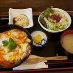 鶏匠 暁 - ふわとろ親子丼。これだけセットで880円!
