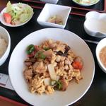 中国料理 洋明 - 料理写真:豚肉と五目野菜と玉子のオイスターソース炒め定食