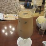 ハーブス - アイスミルクコーヒー 700円