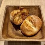 リトル デリリウムカフェ - 正しい置き方のパン