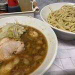 麺屋 歩夢 - 料理写真:つけ麺(900円)、ニンニクコール