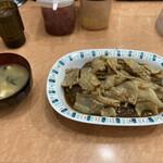 バーグ - スタミナカレー ヤキ 味噌汁