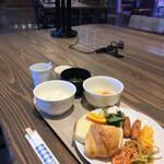 益田グリーンホテルモーリス - 料理写真:朝食バイキング 品数豊富です!