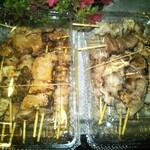 島田屋 - 料理写真:左:タレ、右:塩で注文合計21本1260円也安い!!