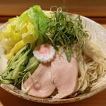 自家製手打ち麺 粋や - 春キャベツの冷やし辛味つけ麺(麺)
