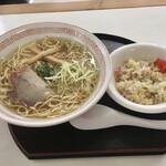 しんすい園 - 料理写真:中華ランチ 中華そば+半焼飯