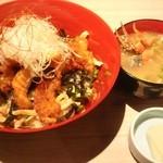 玄品ふぐ 大阪黒門の関 - ふぐ唐揚げ丼(海鮮汁付)1200円