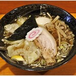 中華そば はな田 - 料理写真:中華そば+ワンタン 830+220円