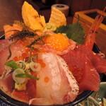 味福 - 海鮮丼 向きを変えてもボリューム半端ない