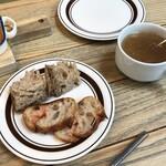 イタリアンバル グラナリーカフェ - パンストックのパン&スープ