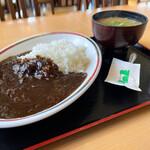 大衆食堂 半田屋 - 黒ビーフカレー大盛と豚汁