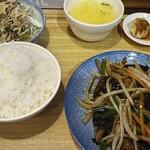 中華家庭料理 福來軒 - 料理写真:にらとレバ炒め
