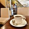 マドンナー - ドリンク写真:ホットコーヒー@400円:ほろ苦さがきて、フルーティーな酸味が余韻として残ります。冷めてくるとよりほろ苦さのほうがが前に出てくる感じがしました。
