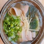 自家製麺沖縄そば 海と麦と - 三枚肉そば ¥750-