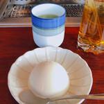 叙々苑 - セットのアイスクリーも日本茶も美味しい。