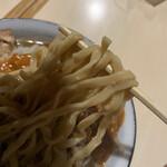 蒙麺 火の豚 - 太麺です。