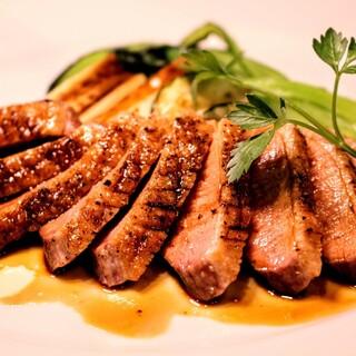 フランス産鴨肉のローストマルサラソース