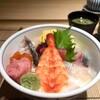 鮨 せいざん - 料理写真:ランチ海鮮丼