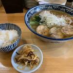 ラーメン ソレナリ - 鶏そば(醤油)  800円 味玉 80円(今だけ) 半ライス、辛もやしサービス