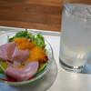 鎗屋町 134 - 料理写真:ランチサラダとドリンク