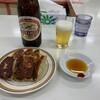 ぎょうざの天雅 - 料理写真:瓶ビール+餃子