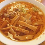 清吉そばや - ごめんなさい、店名正面に持って来ていません( ノ;_ _)ノ 中か(大)にメンマ多く、大に見合ったスープのダップリさ!