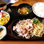 いずみや - いずみや 本店 @佐野 生姜焼肉定食 1,050円