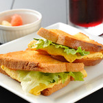 ハーモニー - いちど食べたらやみつきになるそうです(^v^)サンドイッチとトーストが合体したアンサンブルトースト