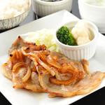 ハーモニー - 国産肩ロースの生姜焼きは、ご飯が進む定食の定番です