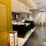 149718858 - 商業施設の中にあるカジュアルなお店ですが広々とした空間設計です(  *´ω`*  )/