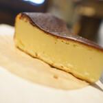 アスカ ベーカリー - バズったチーズ