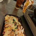 韓豚屋 - チーズダッカルビは、甘辛×とろーりチーズが堪らない美味しさ♡