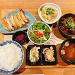149724384 - 餃子と2種類の煮込み定食