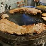 韓豚屋 - 大きなお肉に胸とお腹がときめきます♡