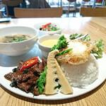 マンゴツリーカフェ - 牛タンのスペシャルプレート