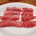 ミキスケ - 肉寿司 うちもも、ザブトン