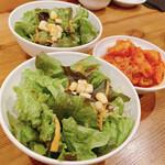 ミキスケ - サラダ、キムチ