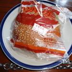 東京堂製パン屋 - ハンバーガー(\168)