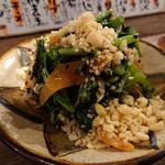 スタンド メェ - 蒸し鶏と菜の花と夏もやしの黒ゴマナムル