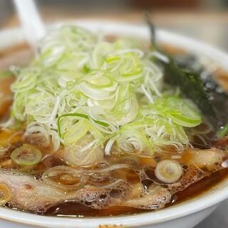 青島食堂 - 料理写真:青島チャーシュー麺大盛+ねぎ50+メンマ50+ホウレン草50