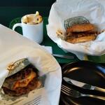 ラッキーピエロ - (上段右)ラッキーエッグバーガー、(上段左)ラキポテ、(下段)肉食べようバーガー