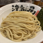 つけ麺 津気屋 - 麺はモッチモチの中太自家製麺