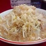 ラーメン二郎 - 小ラーメン(780円) ニンニクヤサイアブラ。