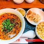 番長餃子道 - 番長セット(担々麺+ミニ炒飯+肉餃子3ヶ) 1,540円