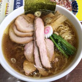 手打中華 餐 - 料理写真:醤油チャーシュー麺