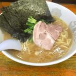 横浜ラーメン厨房 うえむらや - 料理写真: