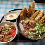 よもぎうどん - ミニ牛すじ丼、肉ごぼううどん よもぎ麺