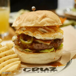 CRUZ BURGERS & CRAFT BEERS -